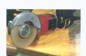 Rezanje i brušenje sa ručnim brusnim mašinama pod uglom